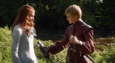 Joffrey offers Sansa wine from his wineskin