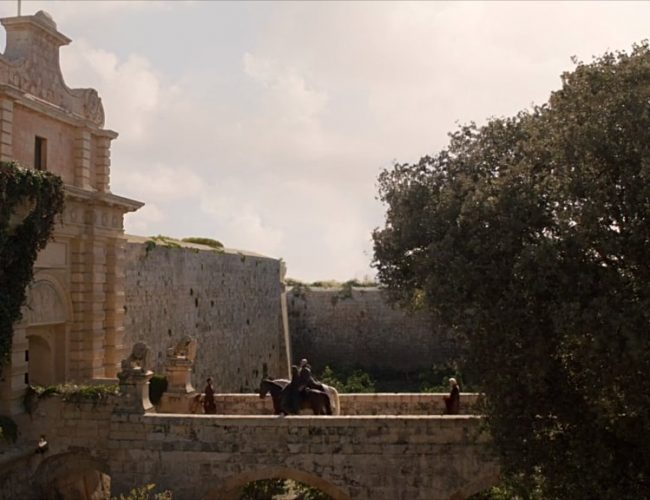 Catelyn Stark At Kings Landing Gate Filming Locations