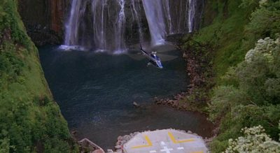 Jurassic Park - Helicopter landing at the platform beneath the waterfall